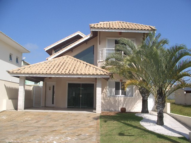 Condomínios a Venda |  PERUIBE | Sobrado no Residencial Três Marias com piscina, 4 suites,...