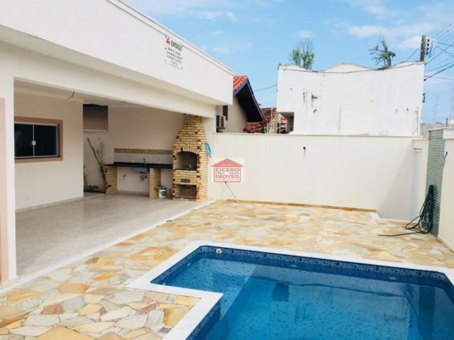 Casa c/ piscina à 150m da prai